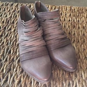 Free People boot shoes.NWOT Brown leather. Size 39